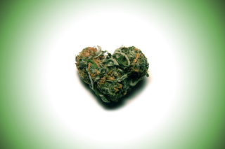 Weed Heart - Obrázkek zdarma pro Samsung Galaxy S II 4G