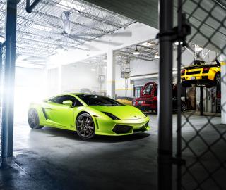 Neon Green Lamborghini Gallardo - Obrázkek zdarma pro iPad 2
