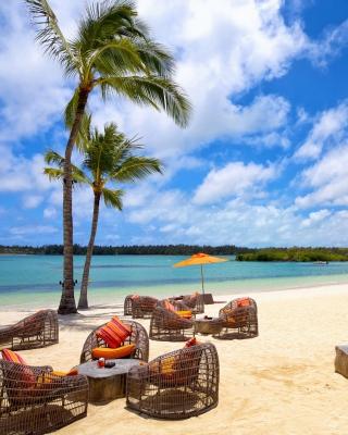 Resort on Paradise Island - Obrázkek zdarma pro 240x320
