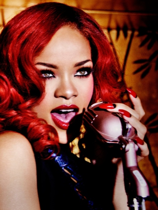 Rihanna Singing - Obrázkek zdarma pro Nokia 5233