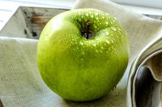 Green Apple - Obrázkek zdarma pro Widescreen Desktop PC 1680x1050