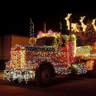 Xmas Truck in Lights - Obrázkek zdarma pro iPad 2
