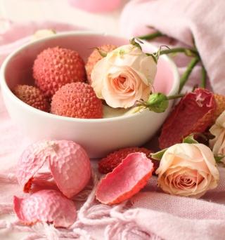 Pink Roses And Petals - Obrázkek zdarma pro 208x208