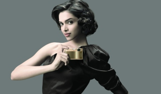 Deepika Padukone Posh Style Background for Android, iPhone and iPad