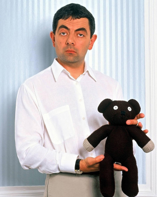 Mr Bean with Knitted Brown Teddy Bear - Obrázkek zdarma pro 132x176