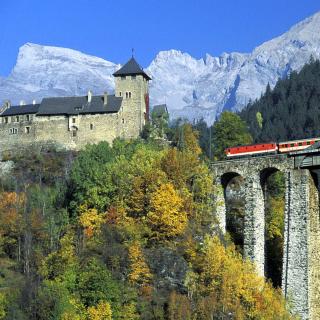 Austrian Castle and Train - Obrázkek zdarma pro 1024x1024