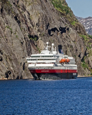 Norway Cruise - Obrázkek zdarma pro 768x1280