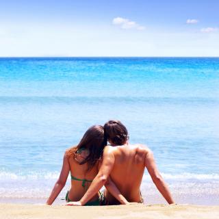 Couple On Beach - Obrázkek zdarma pro 128x128