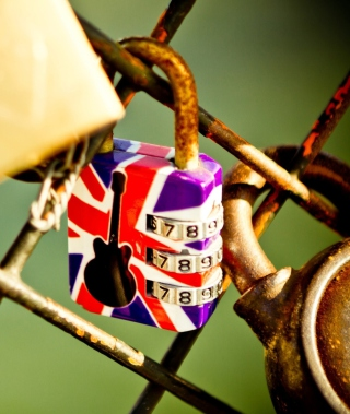 British Lock - Obrázkek zdarma pro Nokia Asha 308