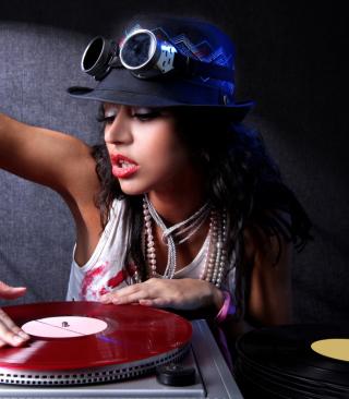 Dj Girl - Obrázkek zdarma pro Nokia C3-01 Gold Edition