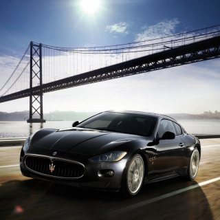 Maserati Granturismo - Obrázkek zdarma pro iPad mini 2