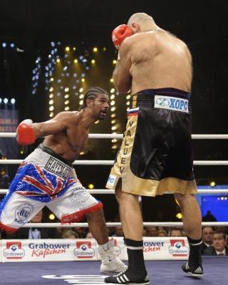 Valuev vs Haye - Obrázkek zdarma pro 360x400