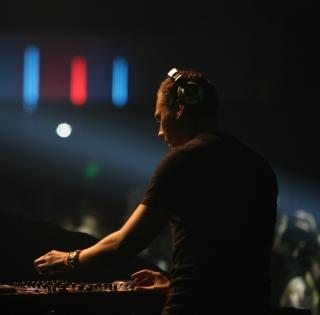 DJ Tiesto - Obrázkek zdarma pro iPad Air