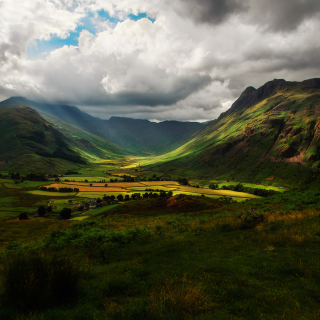 Green Hills Of England - Obrázkek zdarma pro 208x208