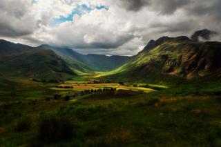 Green Hills Of England - Obrázkek zdarma pro Samsung P1000 Galaxy Tab