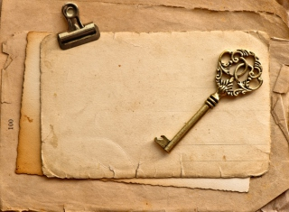 Free Vintage Key Picture for Android, iPhone and iPad