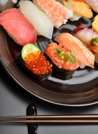 Sushi Plate - Obrázkek zdarma pro 360x640