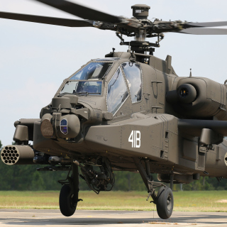 Boeing AH 64 Apache - Obrázkek zdarma pro iPad Air