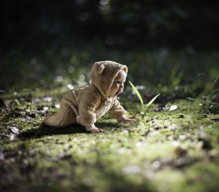 Cute Baby Crawling - Obrázkek zdarma pro 208x208