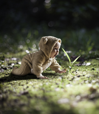 Cute Baby Crawling - Obrázkek zdarma pro 480x854