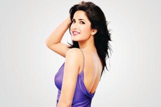 Katrina Kaif 2013 - Fondos de pantalla gratis para Sony Ericsson XPERIA PLAY