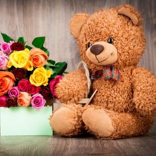 Valentines Day Teddy Bear with Gift - Obrázkek zdarma pro iPad