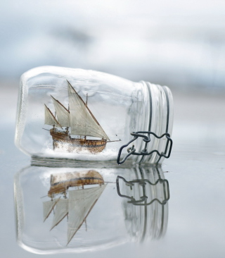 Toy Ship In Bottle - Obrázkek zdarma pro 128x160