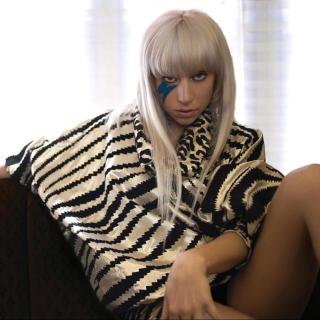 Lady Gaga - Obrázkek zdarma pro 320x320