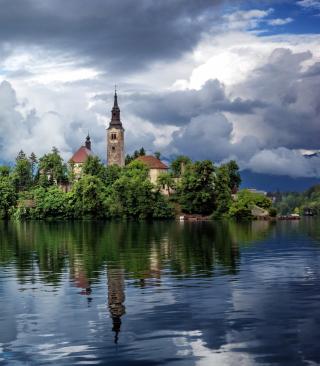 Lake Bled, Slovenia - Obrázkek zdarma pro Nokia Asha 300