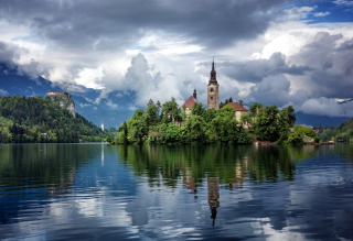 Lake Bled, Slovenia Picture for Android, iPhone and iPad
