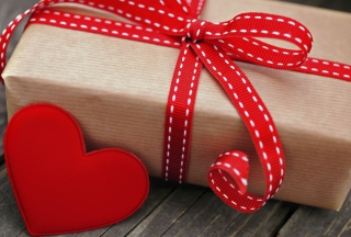 Romantic Gift Wallpaper for Android, iPhone and iPad