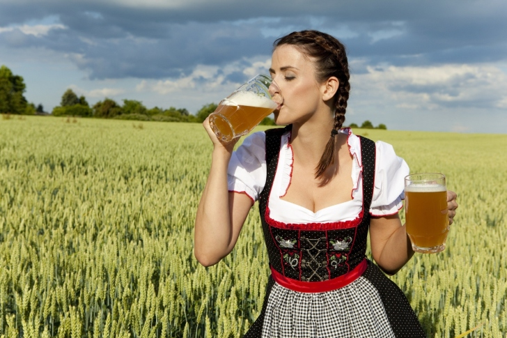 Girl likes Bavarian Weissbier wallpaper
