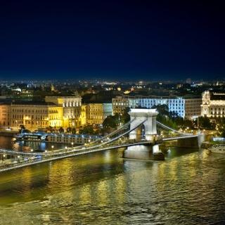 Budapest Danube Bridge - Obrázkek zdarma pro iPad mini 2