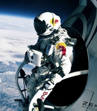 Felix Baumgartner Cosmic Jump - Obrázkek zdarma pro Nokia C-Series