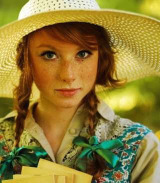 Romantic Girl In Straw Hat - Obrázkek zdarma pro Nokia C2-02