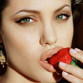 Angelina's Jolie Strawberry - Obrázkek zdarma pro 208x208