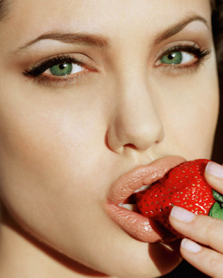 Angelina's Jolie Strawberry - Obrázkek zdarma pro Nokia C1-02