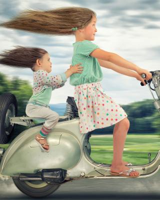 Funny kids on bike - Obrázkek zdarma pro Nokia Asha 501