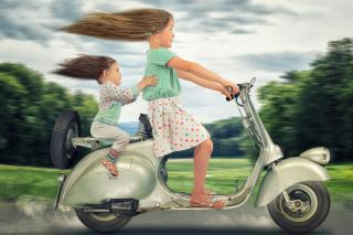 Funny kids on bike - Obrázkek zdarma pro Fullscreen Desktop 1400x1050