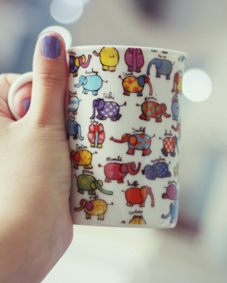 Funny Mug With Elephants - Obrázkek zdarma pro Nokia Asha 303