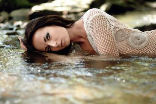 Brunette Girl In Water Background for Android, iPhone and iPad