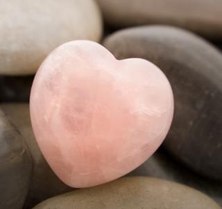Heart Shaped Rock - Obrázkek zdarma pro iPad 3