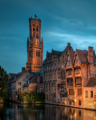 Bruges city on canal - Obrázkek zdarma pro Nokia C1-02