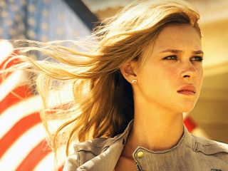 Nicola Peltz In Transformers 4 - Obrázkek zdarma pro Sony Tablet S