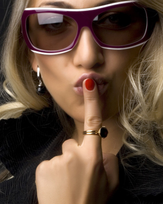Girl in Fashion Sunglasses Wallpaper for 480x854