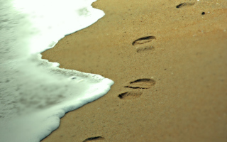 Footprints On Sand Wallpaper for Android, iPhone and iPad