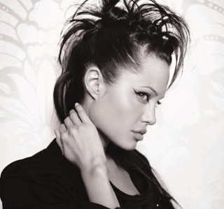 Angelina Jolie - Obrázkek zdarma pro iPad mini 2