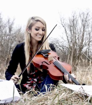 Blonde Girl Playing Violin - Obrázkek zdarma pro 352x416