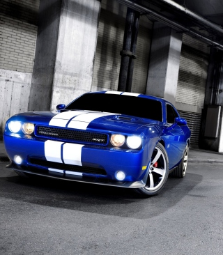 Dodge Challenger SRT - Obrázkek zdarma pro 240x432