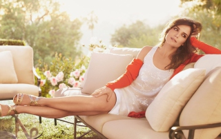 Beautiful Katie Holmes Background for Android, iPhone and iPad
